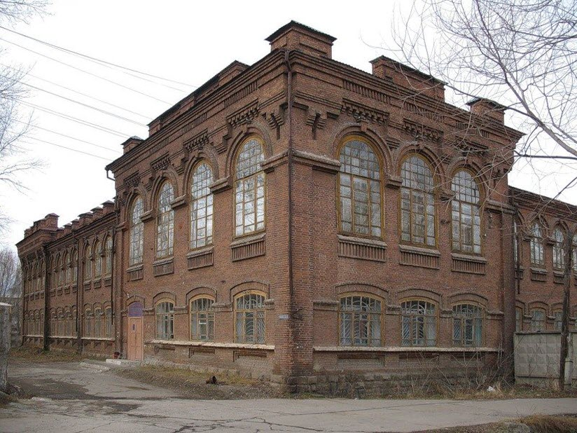 Здание женской прогимназии