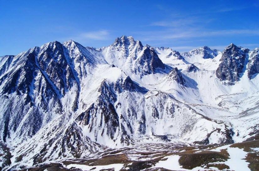 Гора Мунку-Сардык