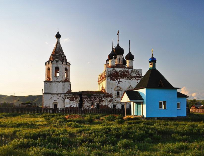 Калининская Успенская церковь