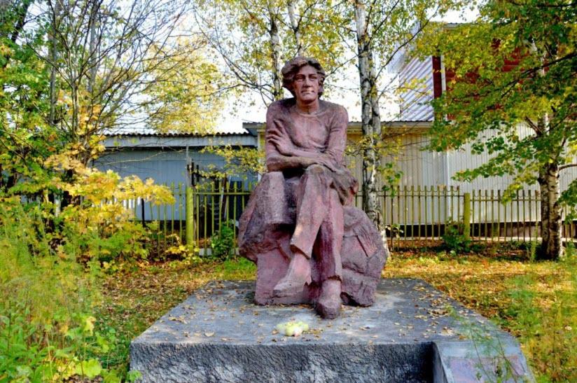 Памятник Клычкову
