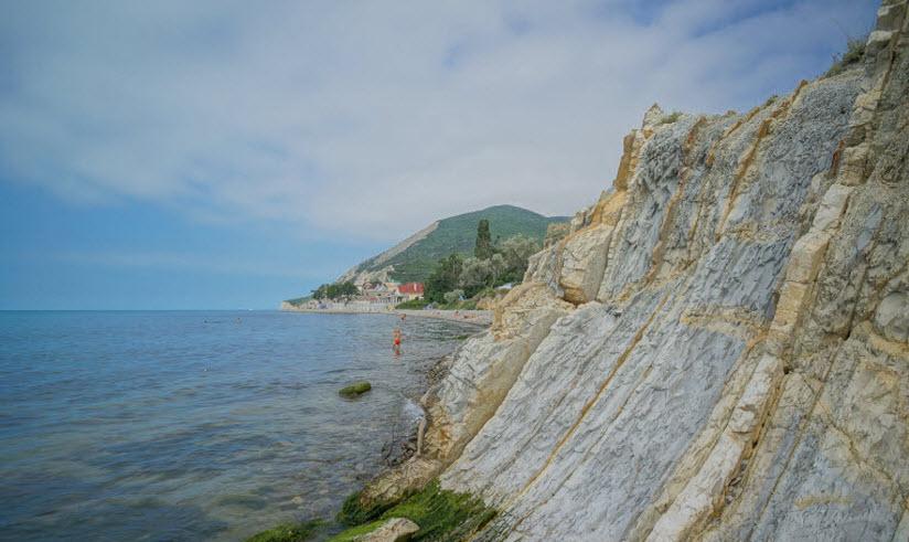 Пляж Дикий берег