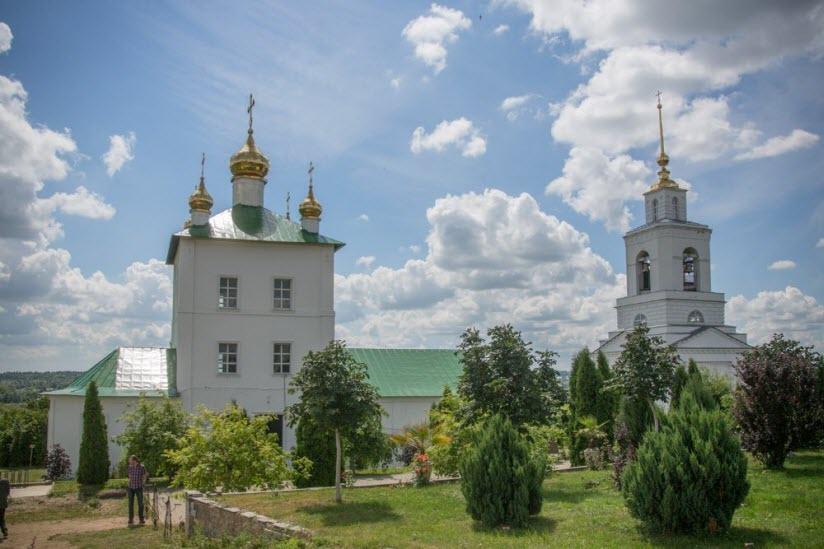 Свято-Дмитриевский мужской монастырь