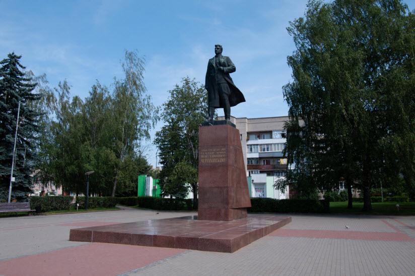 Памятник И.Д. Черняховскому