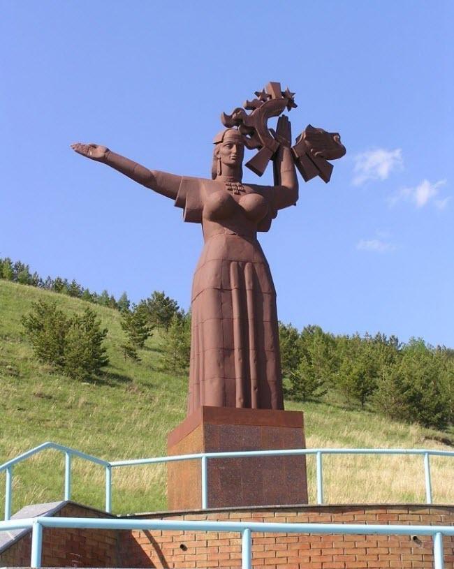 «Мать-Татария» («Плодородие»)