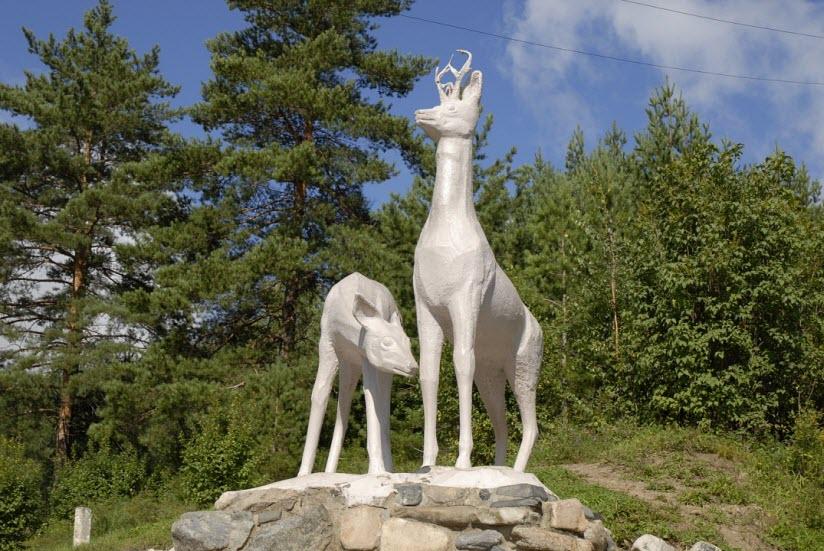 Скульптура оленей