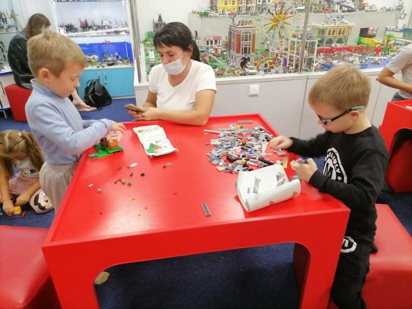 Выставка LEGO «Город П»